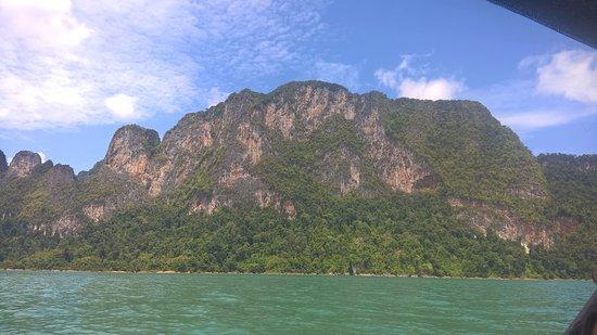 Khao Sok National Park: Look, Carl, it's a mountain!