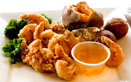 Baxley, Georgien: Our very own hand battered Coconut Shrimp! #coconutshrimp