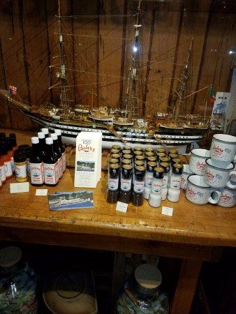 ไฮแลนด์ส, นิวเจอร์ซีย์: Bahr's Merchandise Table