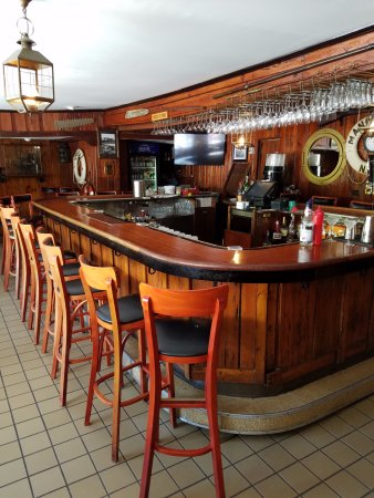Highlands, NJ: Bar Area