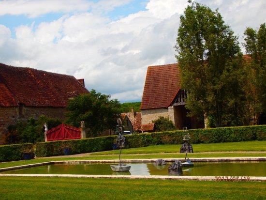 Saint-Amand-Montrond, France: une partie du domaine