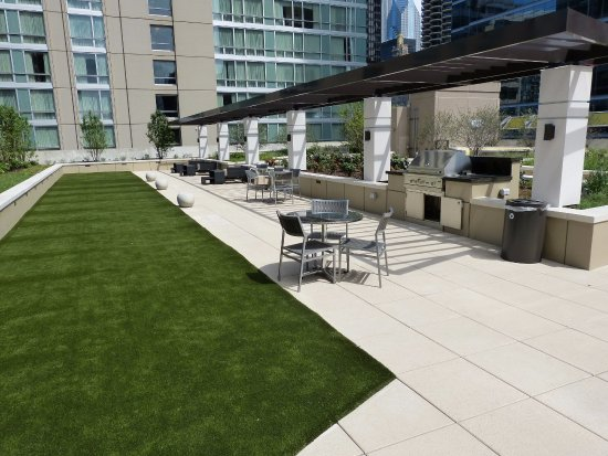 MANILOW SUITES AT AMLI RIVER NORTH (Chicago) - Apartment Reviews ...