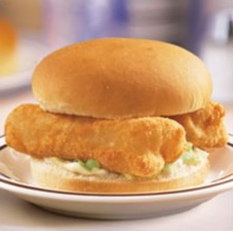 ‪‪Maumee‬, ‪Ohio‬: Frisch's Big Boy Classic Fish Sandwich‬