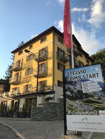 Photo de hotel meuble sertorelli reit bormio for Hotel meuble sertorelli