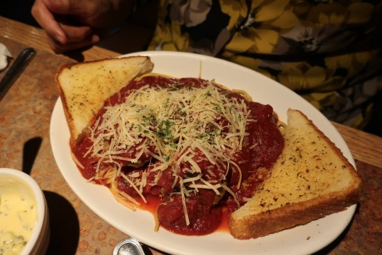 Green River, WY: Hitching Post spaghetti and meatballs