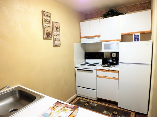 Waynesboro, VA: Kitchen