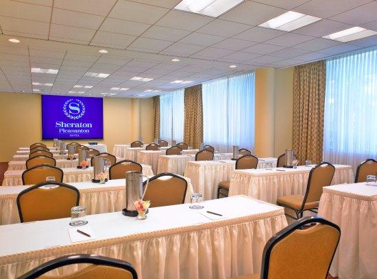 Pleasanton, CA: Meeting Space