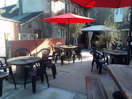 Cleguerec, France: Eat and enjoy our new terrace