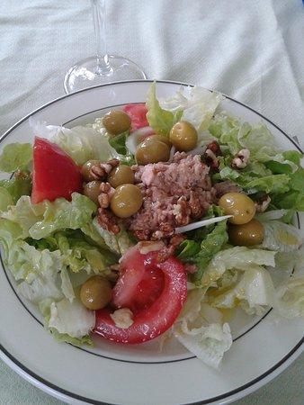 Vedra, Espanha: ensalada mixta
