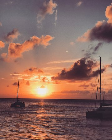 Oyster Pond, St. Maarten/St. Martin: 3 night 4 day Nirvana charter with Stephan and Alex was a dream.