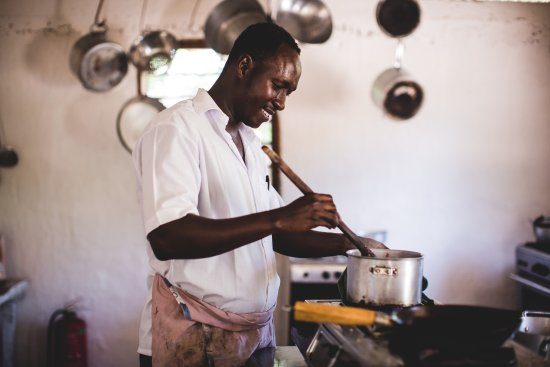 Kizingo: Our Chief cooking lunch!