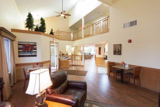 Country Inn of Two Harbors : Lobby