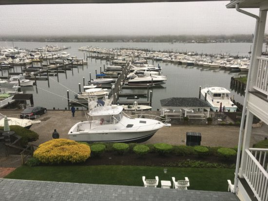 Niantic, CT: Early morning view from room 6 New London Ledge