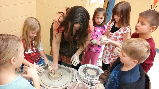 Prescott Valley, AZ: Dani teaching the pottery wheel