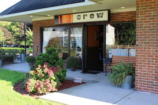 Greenwich, CT: Crew