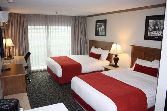 The Royal Anne Hotel: Classic Double Queen room