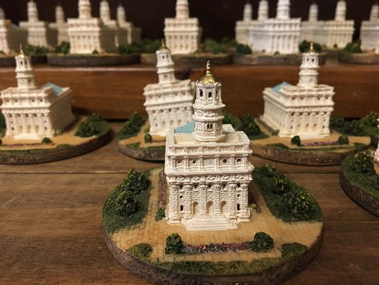 Historic Nauvoo: Small figurines of LDS temple in Nauvoo souvenir for sale at LDS gift