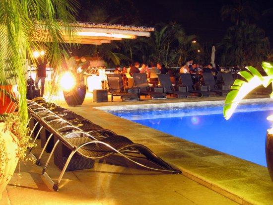 Itapemar Hotel: Piscina Adultos a noite