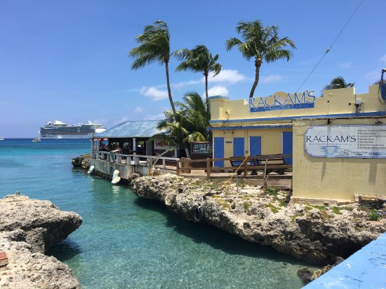 Rackam's Waterfront Restaurant & Bar: photo0.jpg