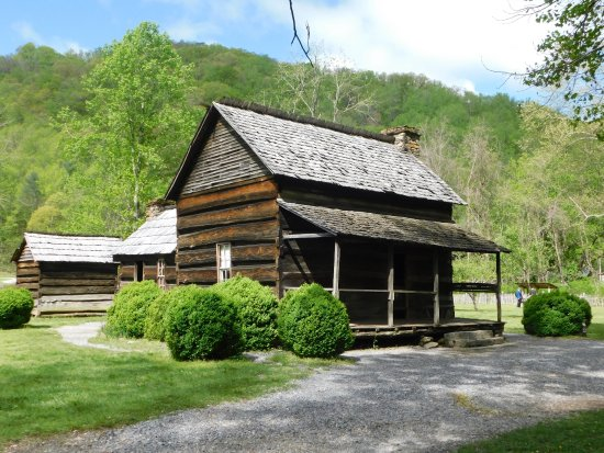 Mountain Farm Museum: This is the farm house