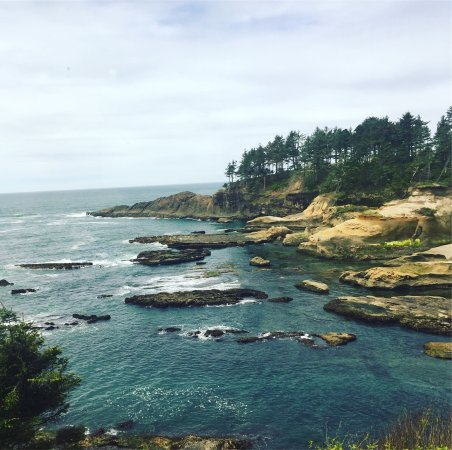 Depoe Bay, Oregón: Great view while having seafood lunch