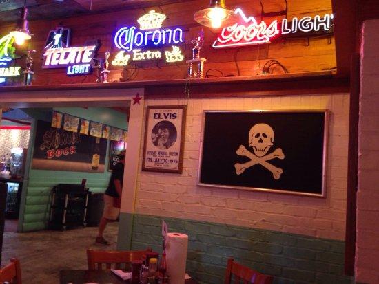 Lumberton, เท็กซัส: Great fun place great mix of Texas and Creole seafood!
