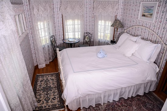 Forked River, NJ: Lacey Room Queen Bed