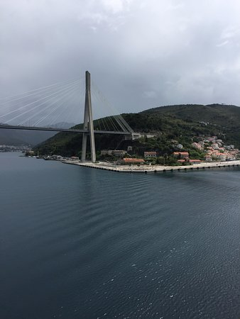 Town Clock: Beautiful bridge that connects the islands.