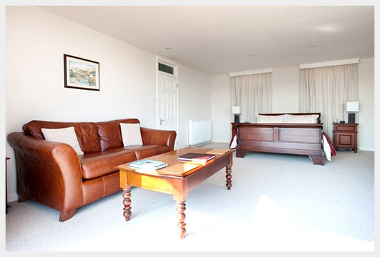 Kippford, UK : The Deluxe Double is a spacious, calm room with outstanding coastal views