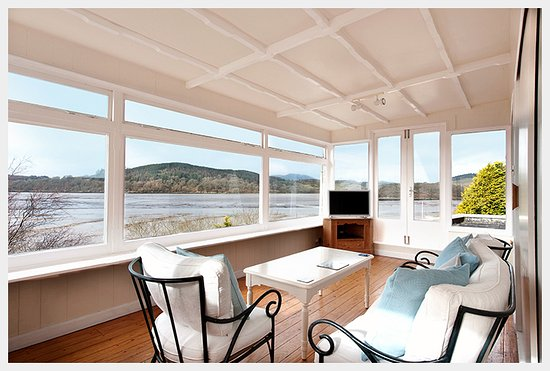 Kippford, UK: 180-DEGREE COASTAL VIEWS in The Suite.   Sleeps 2-4 with a choice of 1 or 2 bedrooms.