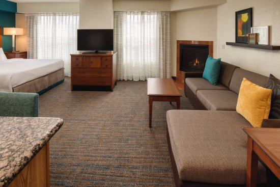 Residence Inn Portland North Harbour: Studio Suite Living Area