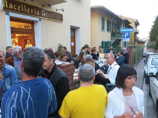 Strada in Chianti, Włochy: Bella serata, tanti amici, grazie MASTROCICCIAIO