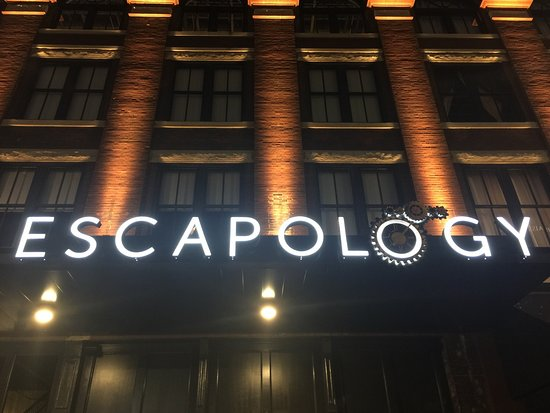 ‪Escapology Montgomery‬