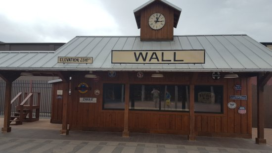 Wall, SD: The train was not open when we stopped by :(