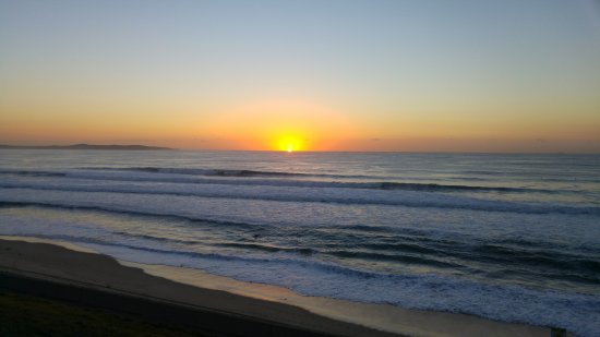 Cronulla, Austrália: Another sunrise over the waves