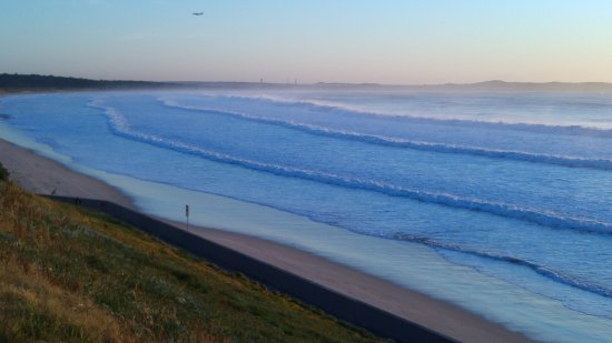 Cronulla, Austrália: A beautiful morning looking towards Kurnell