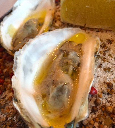 Denton, TX: Blue Point Oysters with a delicate Champagne Mignonette - Excellent!