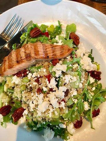 Abbotsford, Canada : quinoa salad