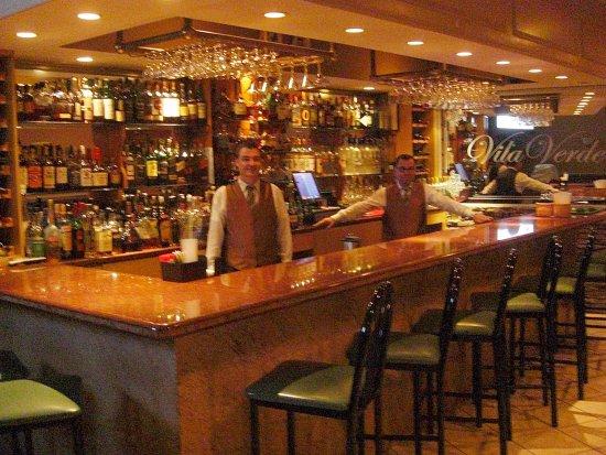 Wayne, NJ: The Bar
