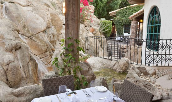 La Quinta Cliffhouse Grill and Bar: Outdoor Patio