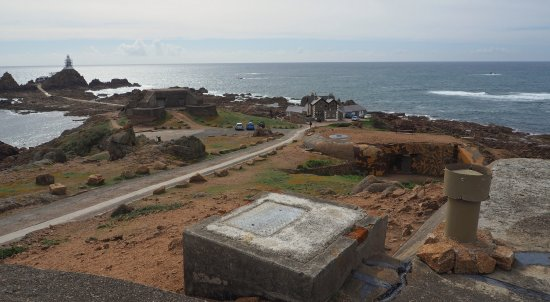 St. Brelade, UK: The M19 automated  Fortress mortar & the type 606 searchlight bunkers.