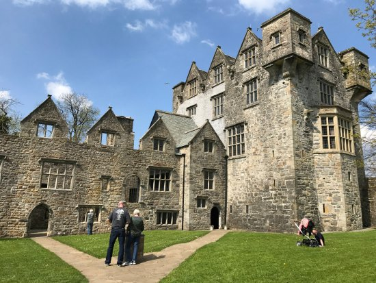 Donegal Town, Irland: Very interesting Donegal Castle.
