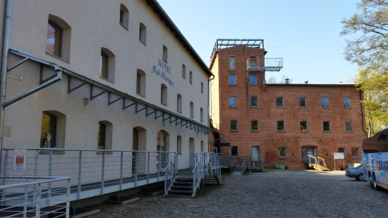 Pelplin, Ba Lan: Hotel bardzo dobrze położony, nie sposób nie trafić.