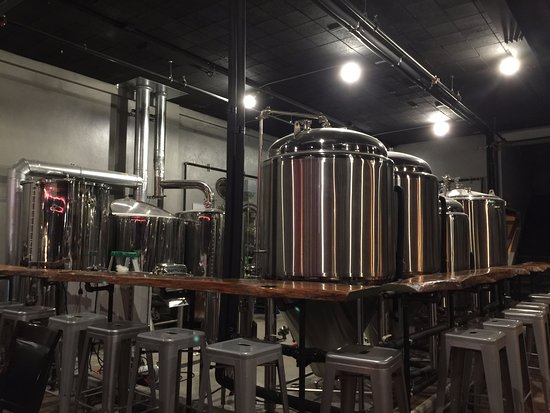 Longview, Teksas: Oil Horse Brewery brews on site.