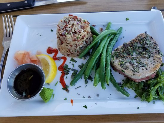 The Reef Restaurant: Ahai Tuna steak
