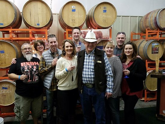 Prosser, WA: Owner Mike with a group of guests.