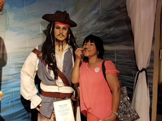 Potter's Wax Museum : Pirate of the Carribbean and Miss Mary