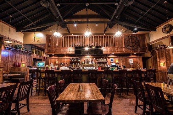 Moorhead, MN: Usher's House pub