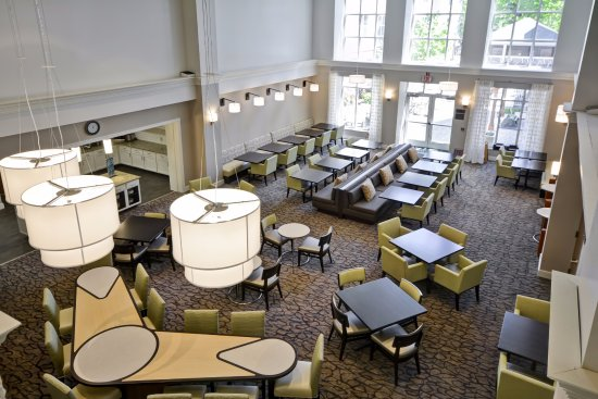 Beaverton, OR: Lobby and Dining Area