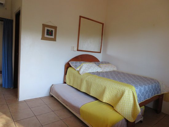 Brasilito, Costa Rica: Flexible Suite - Double with twin trundle